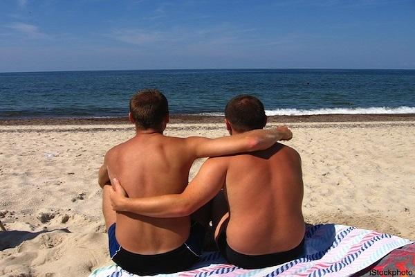 Αλγόριθμος ξεχωρίζει τους γκέι από τους στρέιτ μόνο από φωτογραφίες