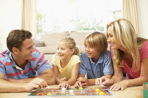 Το ήθος των γονιών ενεργεί σαν δομικό υλικό στο χαρακτήρα του παιδιού!!