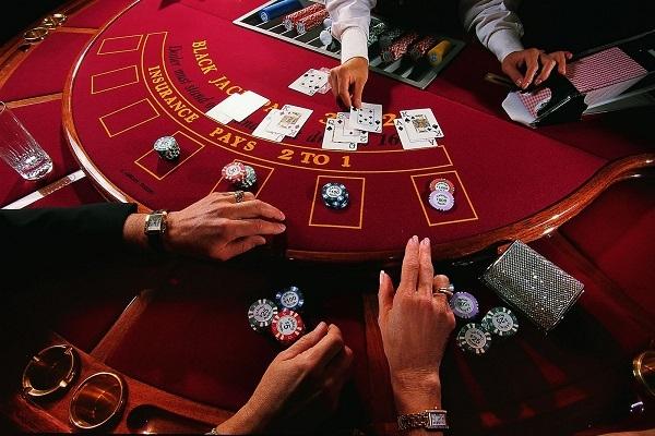 Στη διαβούλευση το νομοσχέδιο για τα καζίνο στη Μύκονο και την Κρήτη