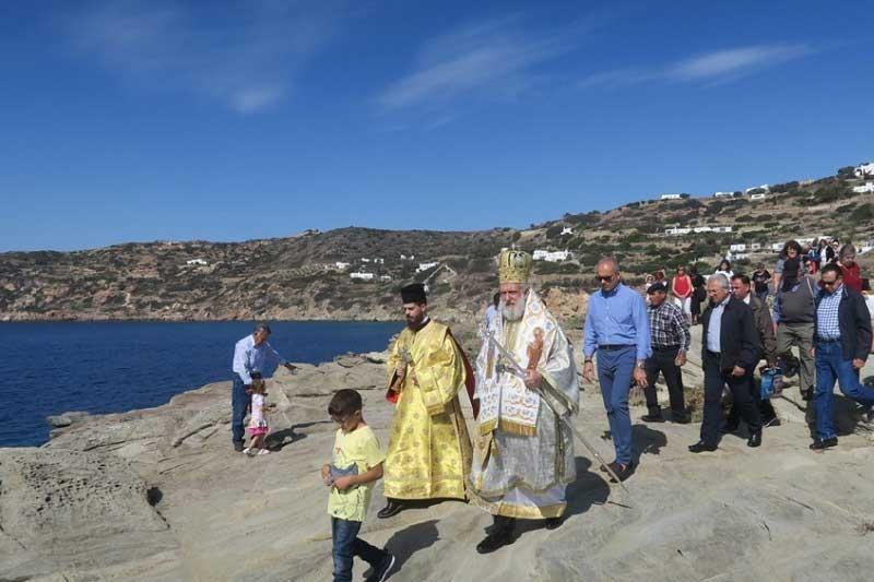 Στη Σίφνο ιερούργησε σήμερα ο Σεβασμιώτατος κ. Δωρόθεος Β΄