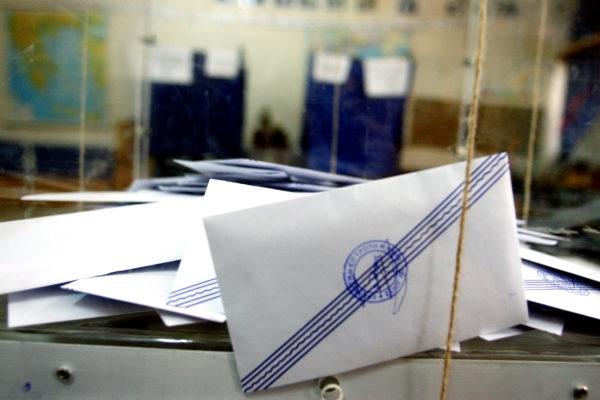 Σκουρλέτης: Παρατείνεται η θητεία των αιρετών για μερικούς μήνες