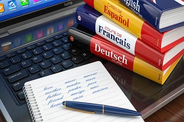 Γαβρόγλου: Δωρεάν από τη νέα σχολική χρονιά τα βιβλία ξένων γλωσσών