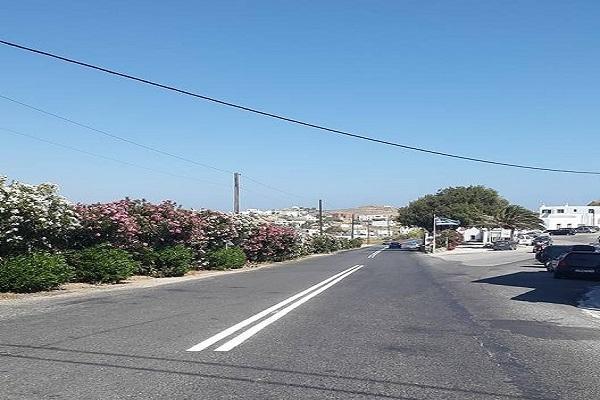 Η Περιφέρεια Νοτίου Αιγαίου προχωρά σε διαγραμμίσεις του οδικού δικτύου Μυκόνου