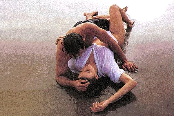 Είσαι μόνη; 3 απλά βήματα για να βρεις τον έρωτα του καλοκαιριού....
