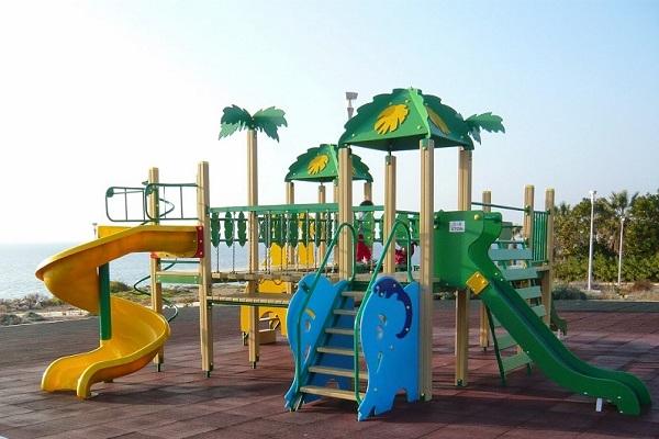 Χρηματοδότηση 210.000 ευρώ για παιδικές χαρές στον Δήμο Μυκόνου